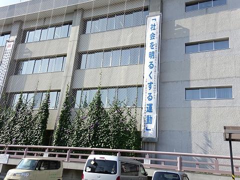 s-22_社明_伊勢市役所庁舎の懸垂幕.jpg