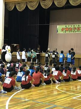 s-IMG_0220表彰式 卓球大会.jpg